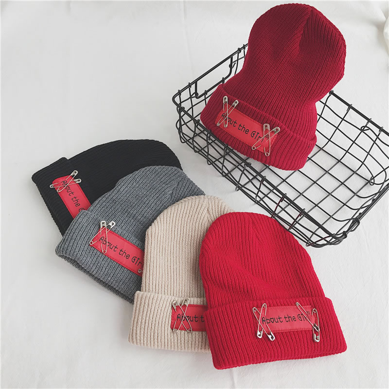Milan Fashion Sweater Applique Letter Printing Beautiful Knitted Cap For Men and Women